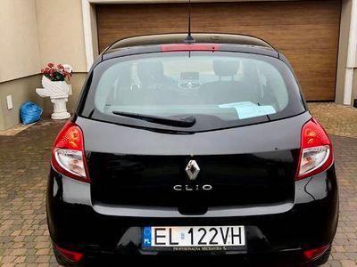 używany Renault Clio 2011, 100tys przebieg, navi, tempomat, klima
