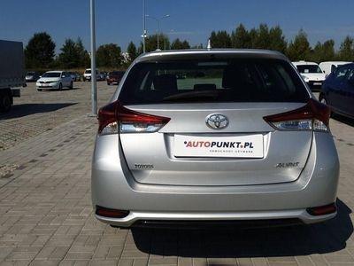używany Toyota Auris 1.4dm 90KM 2016r. 77 658km