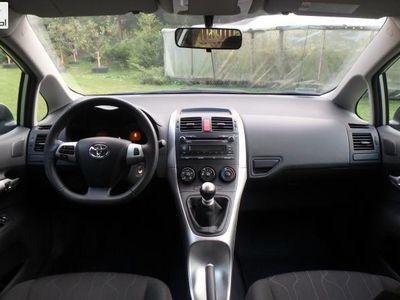 używany Toyota Auris 1.3dm3 101KM 2013r. 24 070km 3 VVTi ABS ręczna klima.