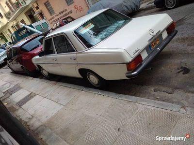 używany Mercedes W115 od pierwszego właściciela.