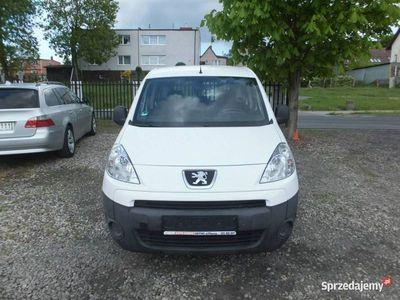 używany Peugeot Partner Tepee 1.6 75ps, Elektryka, Drzwi przesuwne, Hak II (2008-)