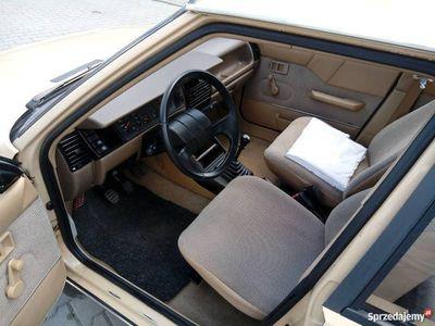 używany Renault R11