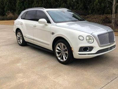 używany Bentley Bentayga 6dm 608KM 2017r. 33 650km