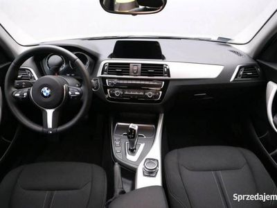 używany BMW 118 1.5dm 136KM 2019r. 11 000km