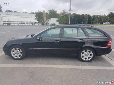 używany Mercedes C230 w203 2.5 V6 2006 bezwyp. 2gi właściciel garaż.
