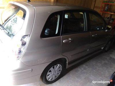 używany Suzuki Liana 1,6 2004r