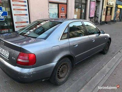 używany Audi A4 b5 polift 2.4 z gazem sprawny jeżdżący