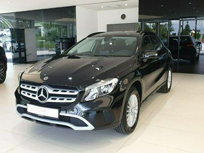 używany Mercedes GLA180 1.6dm 122KM 2019r. 15 564km