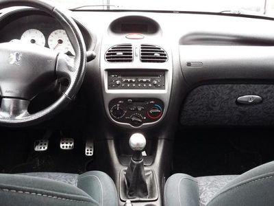 używany Peugeot 206 206 WERSJA SW 1.6 BENZYNAWERSJA SW 1.6 BENZYNA
