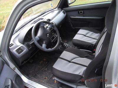 używany Nissan Micra 2002 r.