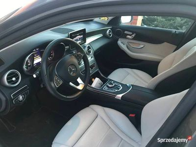 używany Mercedes C300