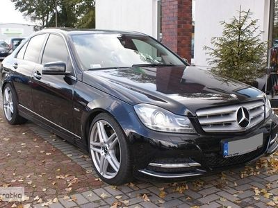 używany Mercedes 350 Klasa C W204LIFTING AVANTGARDE Xenon Nawigacja Tempomat Skóra
