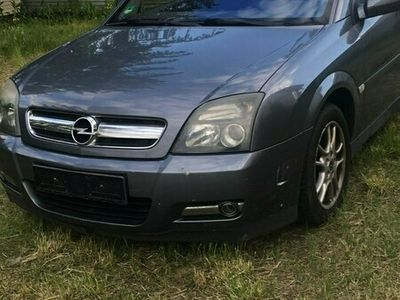używany Opel Signum 1.8 bogata wersja przebieg 191tys km