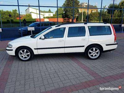 używany Volvo V70 2.4dm 140KM 2001r. 333 000km