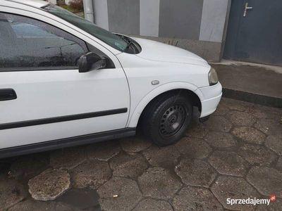 używany Opel Astra 2005r.1.4.lpg