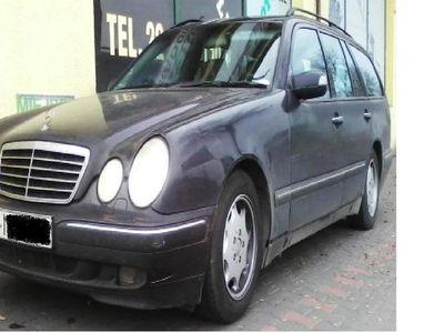 używany Mercedes E200 W210kombi z LPG