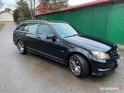 używany Mercedes C200 KlasaPakiet AMG, auto prywatne