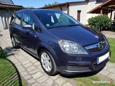 używany Opel Zafira 1.8dm 140KM 2006r. 185 032km