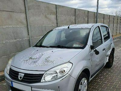 używany Dacia Sandero 1.4dm 75KM 2008r. 100 451km