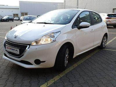 używany Peugeot 208 1.2dm 82KM 2013r. 72 858km