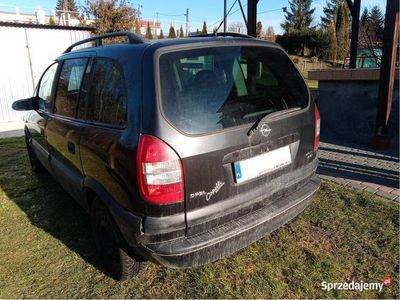 używany Opel Zafira A 2.0 DI