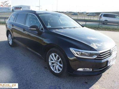 używany VW Passat 2dm3 150KM 2015r. 86 000km Salon Polska VAT Serwis DSG Perła xenon Navi Rozpoznawanie znaków