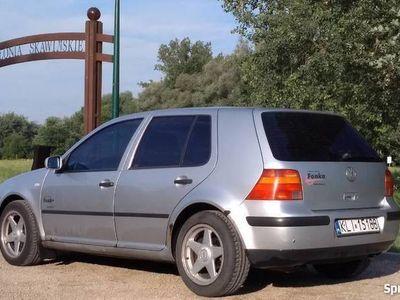 używany VW Golf IV 1.6 16V 105KM/77kW Hatchback srebrny