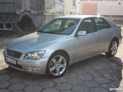 używany Lexus IS200