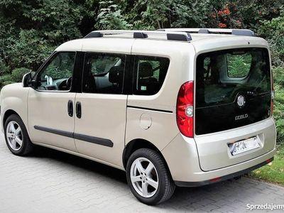 używany Fiat Doblò 1,6 JTD 105 KM, kombi 2010/2011 bezwypadkowy