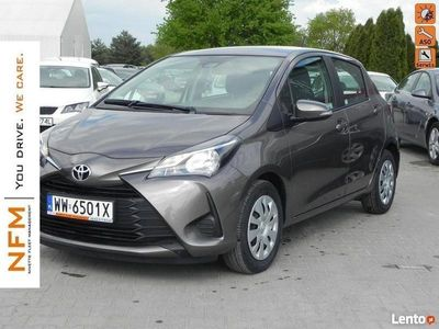 używany Toyota Yaris 1.0 VVT-i (72 KM) Active Salon PL F-Vat