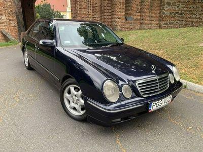 używany Mercedes E240 2.6dm 170KM 2002r. 301 000km
