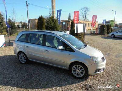 używany Opel Zafira 1.8dm 140KM 2008r. 159 700km