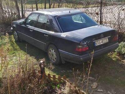 używany Mercedes E220 W124