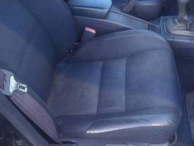 używany Volvo V40 Bogata wersja 2.0 gaz 2000 Uszkodzny NOWE ZAWIESZE