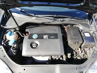 używany VW Golf R-SPORT 16 V