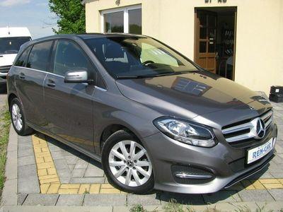 używany Mercedes B180 1.5dm 109KM 2017r. 170 921km