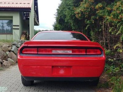 używany Dodge Challenger 3.5 V6 24V muscle car nie mustang