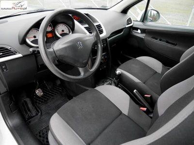 używany Peugeot 202 207 1.4dm3 68KM 2008r.000km