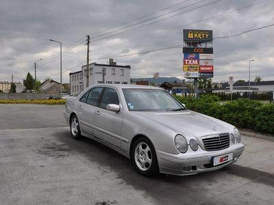 używany Mercedes E270 2.7dm 163KM 2000r. 131 139km