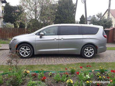 używany Chrysler Pacifica 3.6 V6, 291 KM, 2017 r. TOURING L