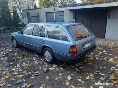 używany Mercedes 230 w124 (s124)- 7-osobowy 1986