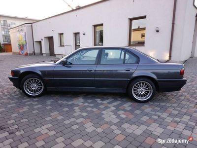 używany BMW 735