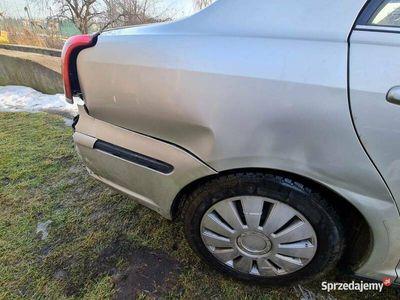 używany Toyota Avensis T25 całość uszkodzona 2005r D4D 2.0 116KM