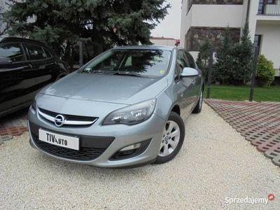 używany Opel Astra 1.6dm 110KM 2015r. 96 000km