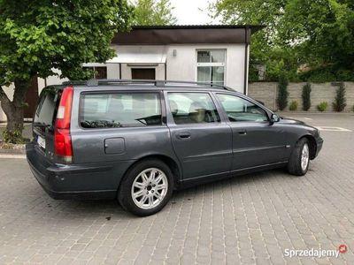 używany Volvo V70 2.4D5 faktura