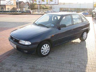 używany Opel Astra 1.6dm3 75KM 1999r. 153 000km Wspomaganie ABS Możliwa zamina
