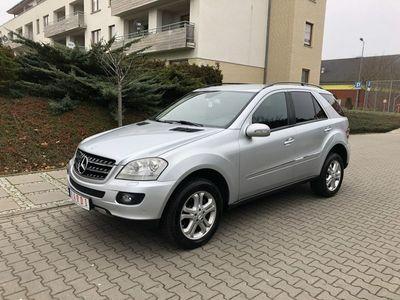 używany Mercedes ML280 3dm 190KM 2007r. 230 000km