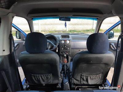 używany Citroën Berlingo 2004 1.4 benzyna