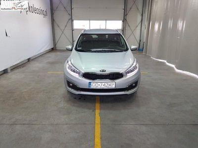 gebraucht Kia cee'd 1.6dm3 110KM 2014r. 42 842km Hatchback 12-15, Cee'd 1.6 CRDi M