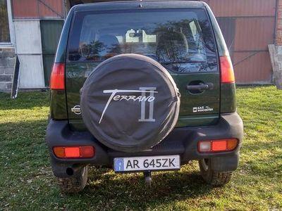 używany Nissan Terrano II